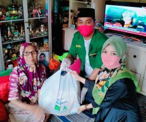 Selain Galang Donasi, GP Ansor Ranting Tambak Osowilangon Distribusikan Sembako